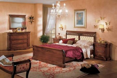 camera classica noce