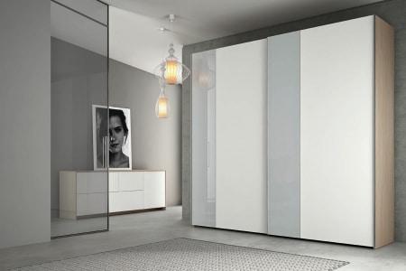 armadio bianco e grigio