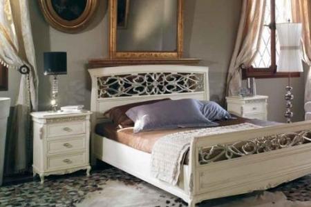 camera con letto traforato