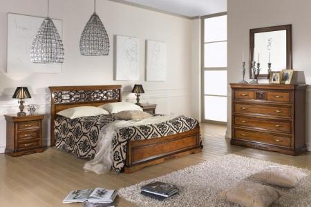 camera da letto intagliata