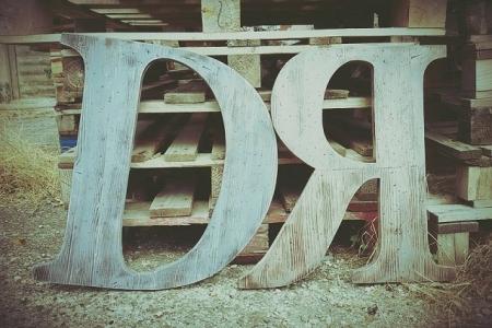 iniziali in legno