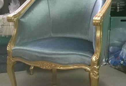 poltroncina foglia oro e velluto verde