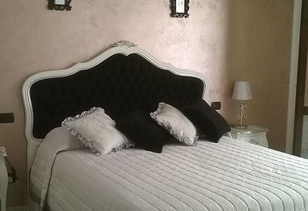 letto bianco e nero