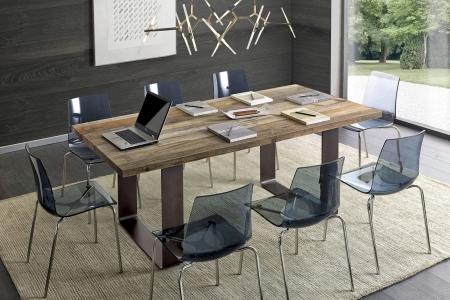 tavolo legno naturale con gambe un ferro